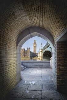 UK, London, view to Big Ben and Palace of Westminster through a pedestrian tunnel - NKF000432