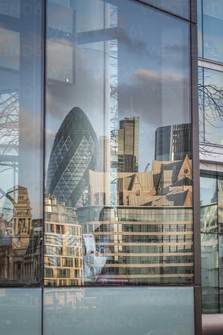 UK, London, Swiss Re Tower and other buildings mirroring in a windowpane - NKF000435 - Stefan Kunert/Westend61