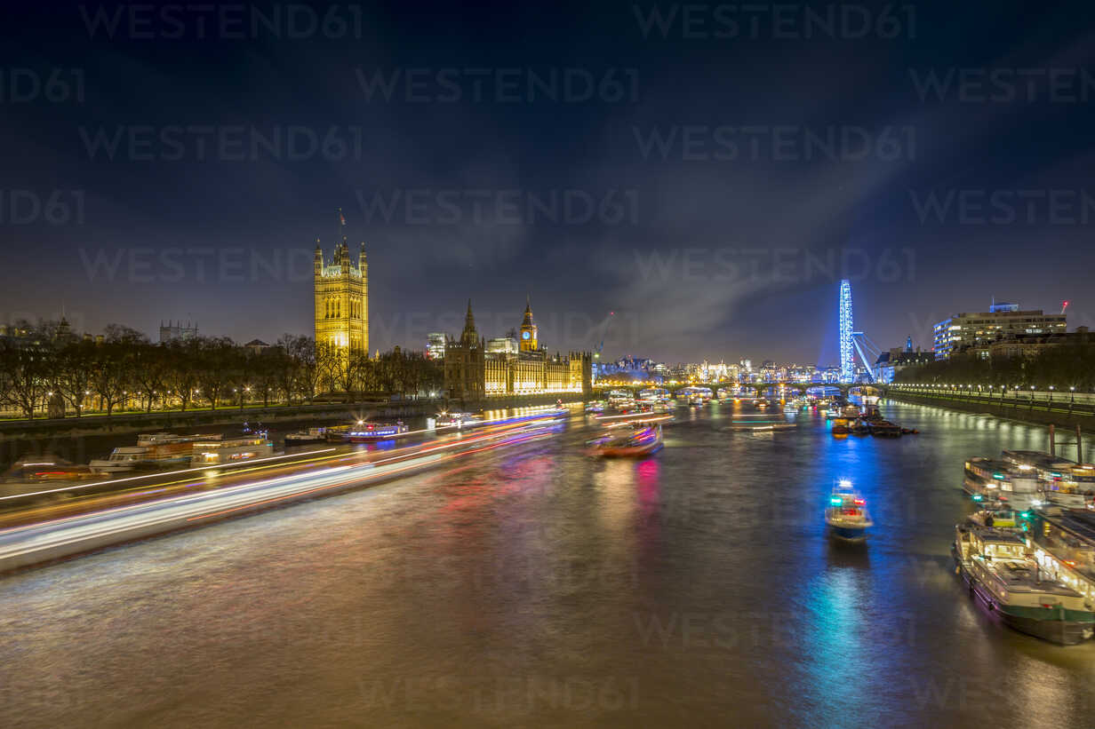 UK, London, view to River Thames with Palace of Westminster and London Eye at night - NKF000441 - Stefan Kunert/Westend61
