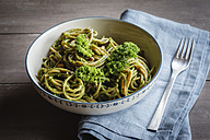 Bowl of whole-grain spelt pasta with kale and hazelnut pesto - EVGF002780