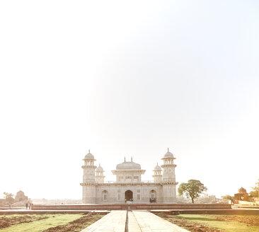 India, Uttar Pradesh, Agra, Tomb of Itimad-ud-Daulah - DISF002345