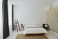 Minimalist Scandinavian design bedroom - JUBF000077