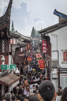 China, Shanghai, Main street of Qibao Ancient Town with countless tourists - NK000444
