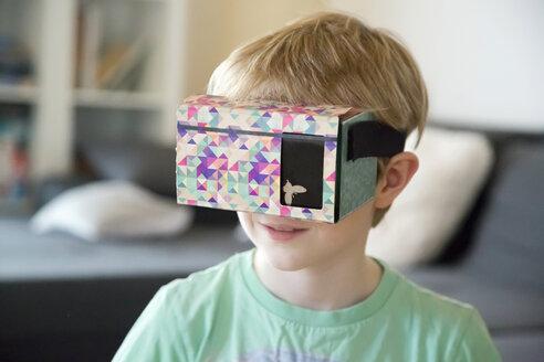 Boy with Virtual Reality Glasses - SARF002529