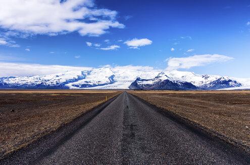 Iceland, Skaftafell, Highway 1, Vatnajokull National Park in the distance - SMAF000437