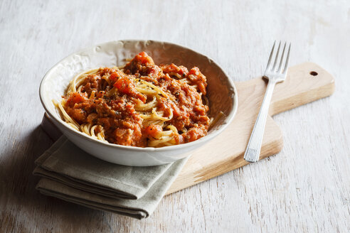 Spelt whole grain spaghetti with vegan Bolognese made of green spelt and sunflower seed - EVGF002813