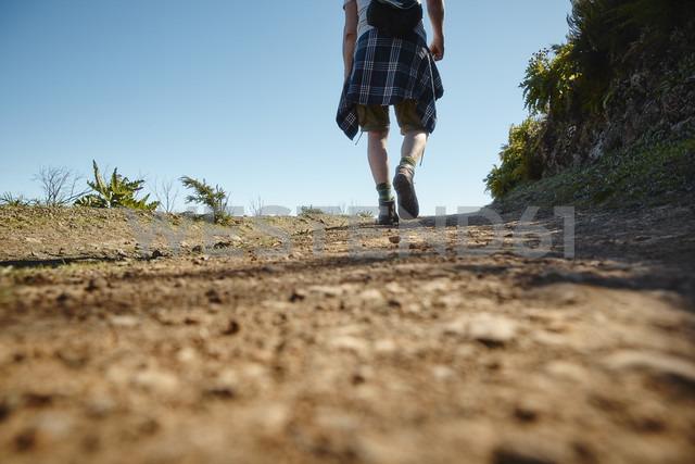 Spain, Canary Islands, La Gomera, hiker on trail - RHF001278