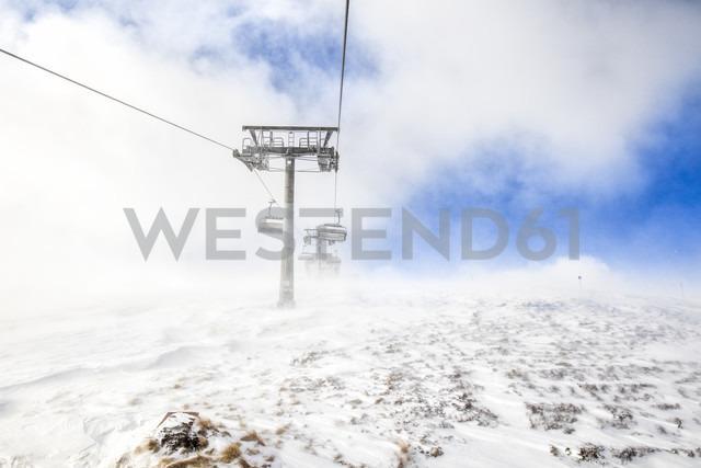 Austria, Turracher Hoehe, chair lift in clouds - DAWF000508