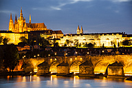 Prague, Charles Bridge, Vltava RIver and Prague Castel at twilight - GIO000764