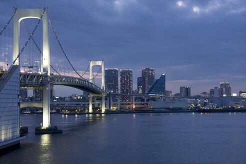 Japan, Tokyo, Rainbow bridge in the evening - FLF001313