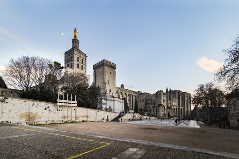 France, Avignon, Cathedral and Palais des Papes - CSTF000924