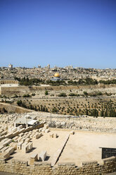Israel, Jerusalem, cityscape with cemetery and Dome of the Rock - REAF000066