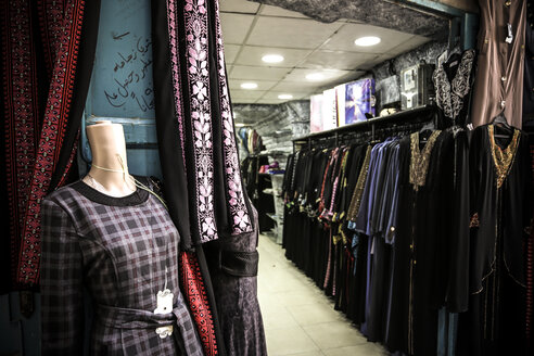 Palestine, West Bank, Bethlehem, old town, shop for traditional clothing - REA000072