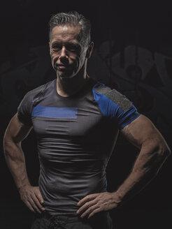 Portrait of mature crossfit athlete - MADF000826