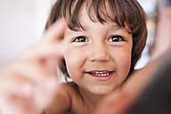 Portrait of smiling little boy with brown eyes - VABF000232