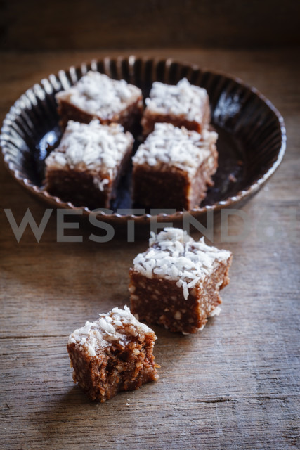 Raw coconut confectionary - EVGF002821