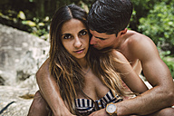 Tanned young couple in love - RAEF000921
