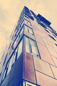 Germany, Hamburg, facade of modern building at Hafencity - HOHF001392