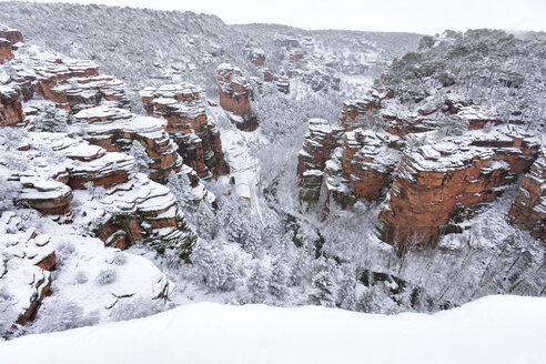 Spain, Province of Guadalajara, Molina de Aragon, Corduente, Barranco de la Virgen de la Hoz in winter - DSGF001048