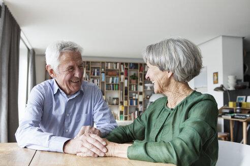 Happy senior couple having fun at home - RBF004184