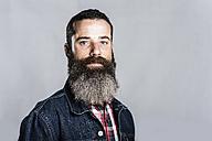 Portrait of bearded man - JASF000538