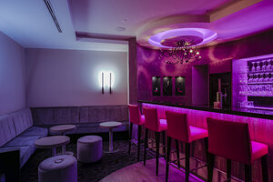 Lighted hotel bar - HAMF000175