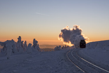 Germany, Saxony-Anhalt, Harz National Park, Brocken, Harz Narrow Gauge Railway in winter - PVCF000798