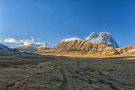 Italy, Abruzzo, Gran Sasso e Monti della Laga National Park, Tracks on plateau Campo Imperatore and summit Corno Grande in winter - LOMF000225