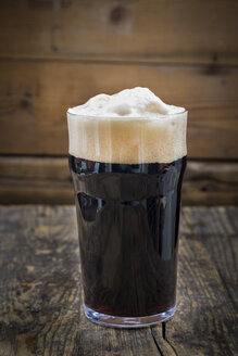 Stout in pint glass - LVF004650