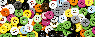 Collection of colourful plastic buttons - HAWF000870