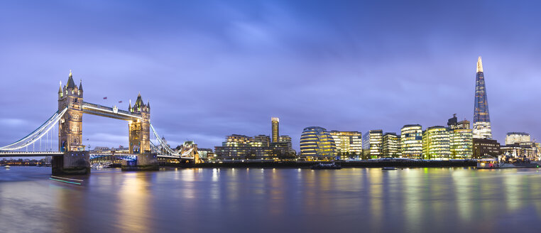 Great Britain, England, London skyline from river thames and Tower Bridge at twilight - EPF000036