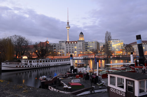 Germany, Berlin, historical harbour, Spree river, old city hall, Berlin TV tower in the evening - BFR001772