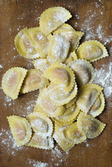 Uncooked homemade ravioli filled with salmon - DAIF000001