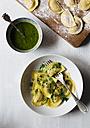 Homemade ravioli with pesto - DAIF000004