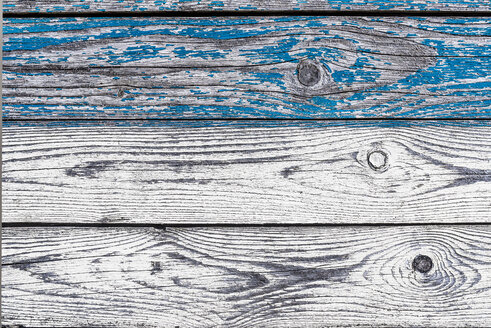 Bars with flaking blue colour, close-up - LCF000014