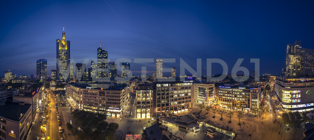 Germany, Hesse, Frankfurt, Downtown view with Hauptwache and financial district - MPAF000054 - Markus Pavlowsky/Westend61