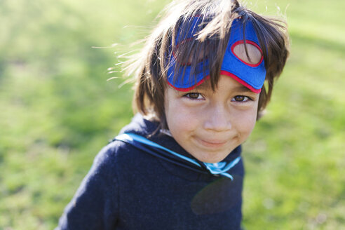 Portrait of little boy dressed up as superhero - VABF000394