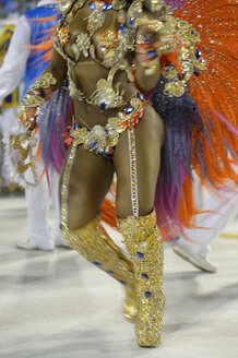 Brazil, Rio de Janeiro, Sambodromo, Carnaval, parade of samba school Beija Flor de Nilopolis, female Samba dancer - FLK000688