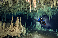 Mexico, Yucatan, Tulum, cave diver in the system Nohoch Na Chich - YRF000090