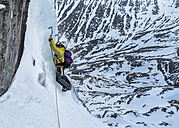 United Kingdom, Scotland, Ben Nevis, ice climbing - ALRF000365