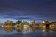 USA, New York, View from Brooklyn to Manhattan, Manhatten Bridge, blue hour - FCF000879