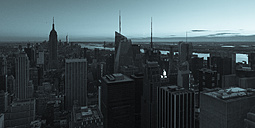 USA, New York City in the evening - FCF000882