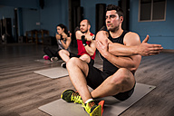 Yoga and stretching class at the gym - JASF000640