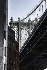 USA, New York City, Manhattan, Manhatten Bridge - FCF000902