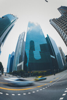 Singapore, Downtown, road and high-rise buildings, fish-eye - GIOF000864