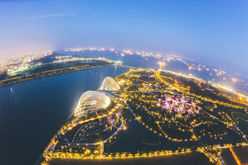 Singapore, Marina Bay with Gardens by the bay at night - GIOF000873