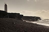 Iceland, Snaefellsnes, black beach and lighthouse - FCF000919