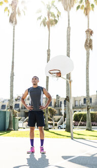 USA, Los Angeles, basketball player - LEF000085