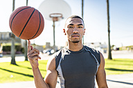 USA, Los Angeles, basketball training - LEF000091