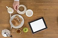 Breakfast table with digital tablet - BOYF000276